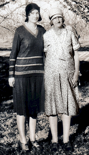 Young woman and her mother, 1920s. Photo courtesy of rememberedsummers.